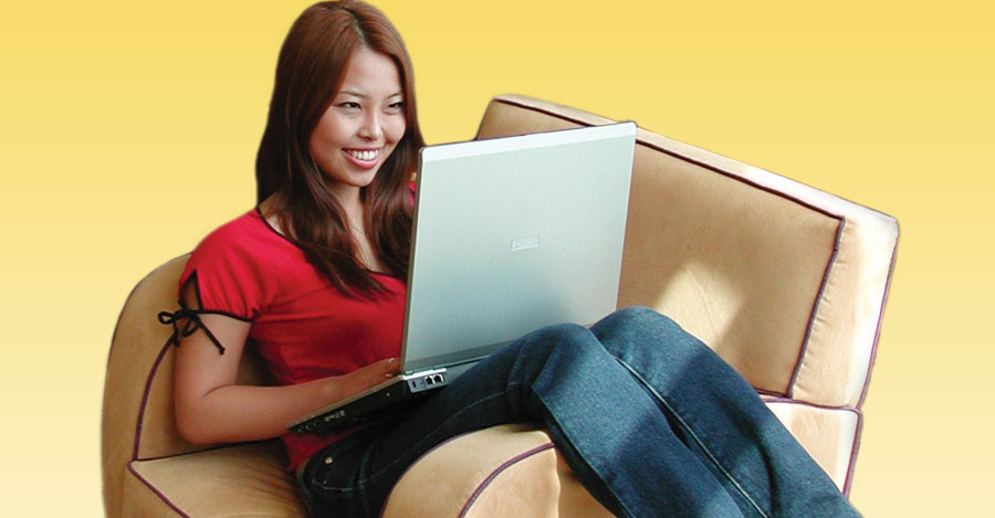 girl-laptop-chair online wintersession